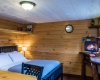 Vermont Tree Cabin - Bed